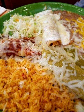 Hacienda Del Sol: enchiladas