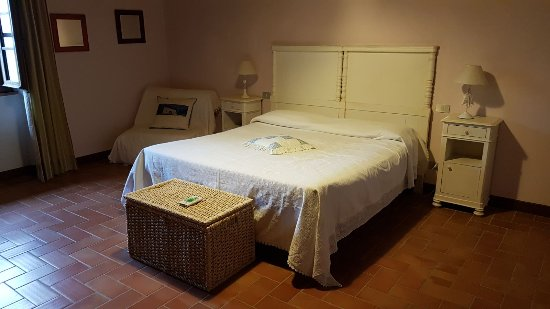 Castel San Gimignano, Italy: IMG-20170910-WA0005_large.jpg