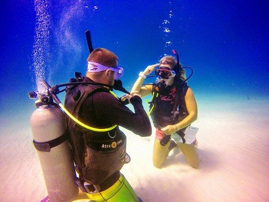 Utila, Honduras: Go to school under the sea!