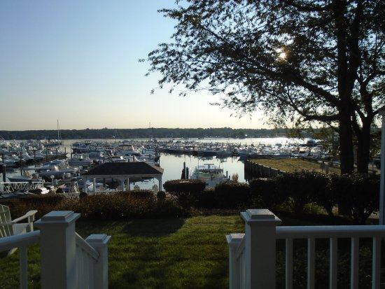 Inn at Harbor Hill Marina Picture