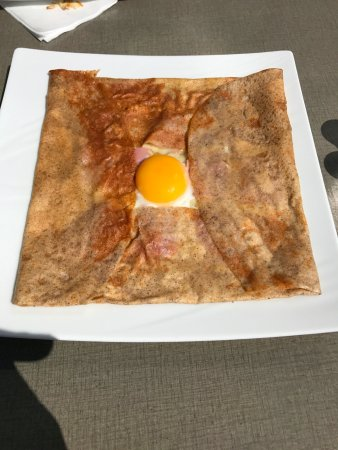 La Foret-Fouesnant, França: Ham, Cheese and Egg crepe