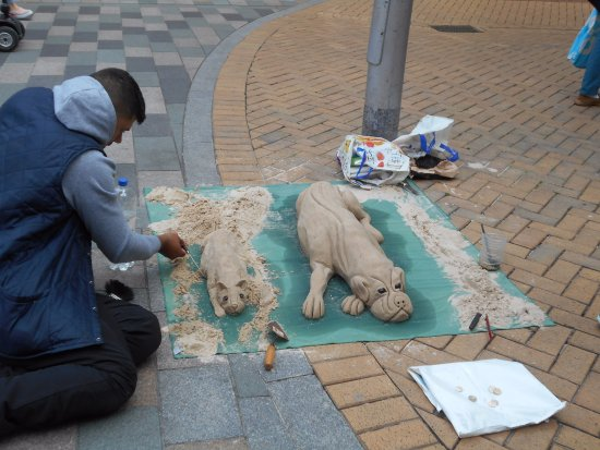 Chelmsford, UK: Sand sculpture near to the High Chelmer Shopping Centre