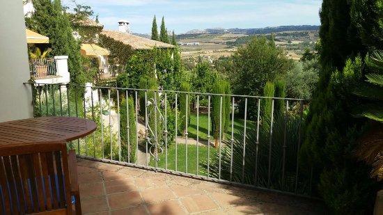 Hotel La Fuente De La Higuera: our view was amazing!