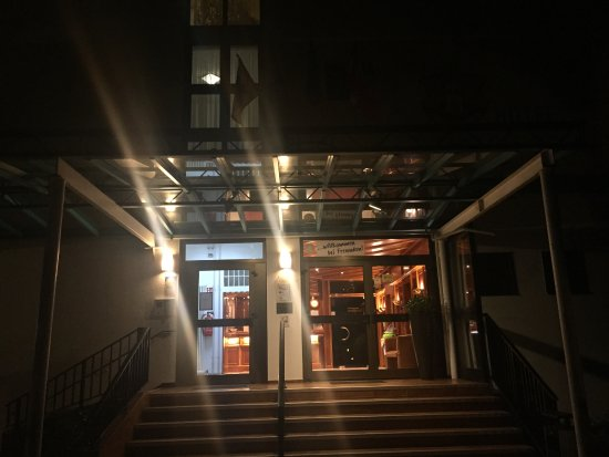 Hotel Stadt Pasing: Entrance to the hotel
