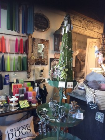 Dundas, Canada: We carry candles in many sizes, shapes, scents and waxes.