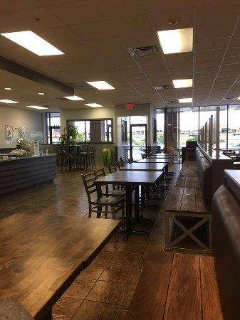 Downers Grove, IL: Inside the restaurant