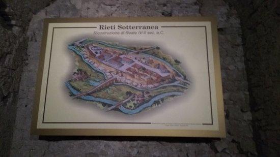 Province of Rieti, Italia: il ponte romano e l'antica via Roma (il viadotto)