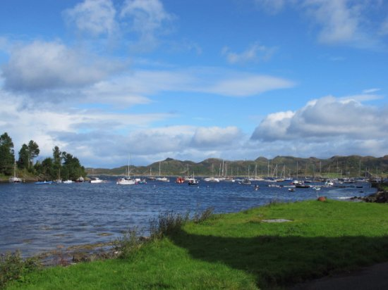 Argyll and Bute, UK: Crinan view over the loch