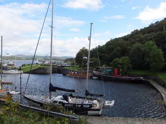 Argyll and Bute, UK: Sea lock at Crinan