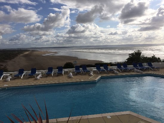 Saunton Sands Hotel: standing outside the lounge enjoying the view