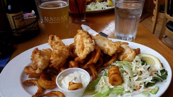 Twisted Fish Company Alaskan Grill: Delicious halibut fish and chips! Big chunks of white, meaty halibut, non-greasy and very fillin