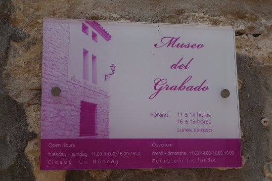 Fuendetodos, Spain: Museum hours