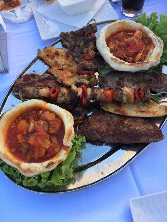 Podujevo, Kosovo: Restaurant Artela
