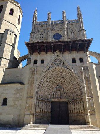 Catedral de Huesca: Fachada