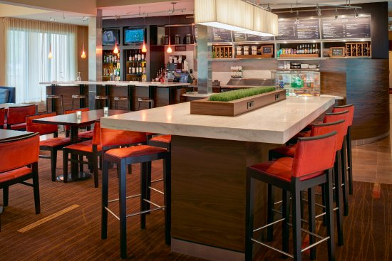 Blue Ash, OH: Communal Table