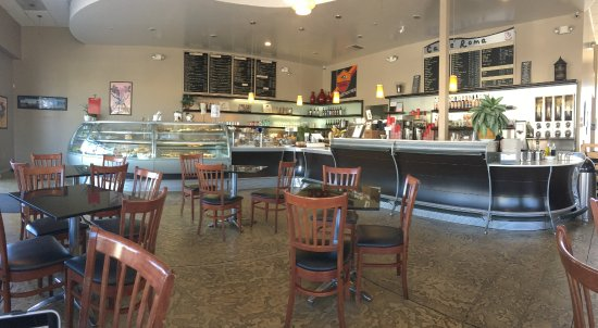Caffe Roma: Food & beverage counter