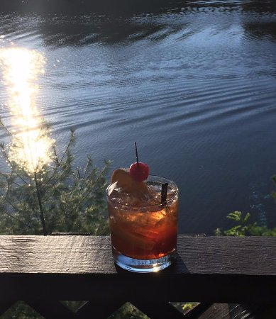 Lake Delton, WI: Enjoyed a Brandy Old Fashioned Sweet while overlooking the lake
