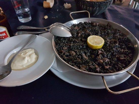 Mortera, Hiszpania: arroz negro