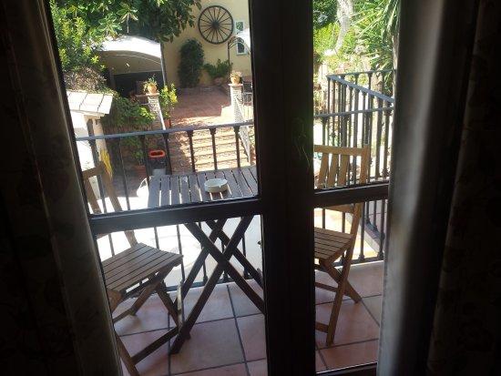 Creixell, إسبانيا: Balcón vista piscina