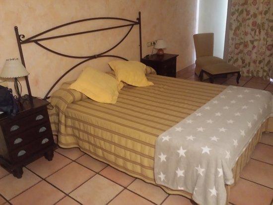 Creixell, إسبانيا: Habitación con balcon