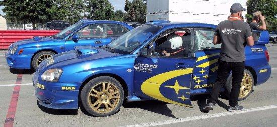 Manoir de l'Automobile : C'est possible conduire une voiture (Subaru STI Rallye) pour entre 5 et 20 tours du circuit nove