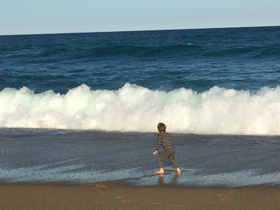 Sapphire Beach, Australien: magnificent crashing waves on this beach