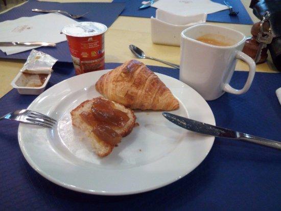 Hotel II Virrey: Desayuno.