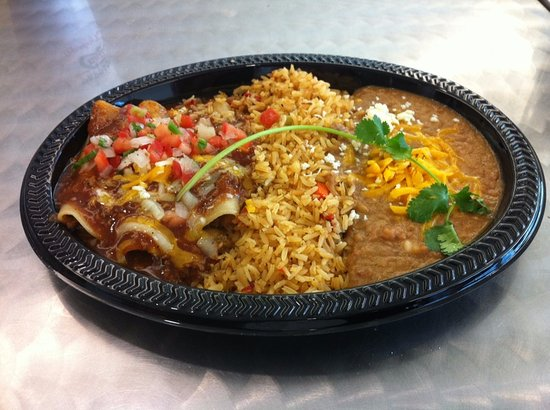 Decatur, Gürcistan: 3 Beef or Chicken Enchiladas, Spanish Rice, Pinto Beans & Drink $10