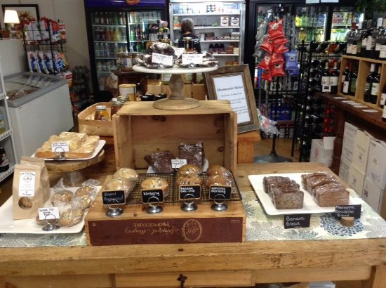 Princeton, Массачусетс: Baked goods, wine & beer, grab & go meals, snacks and more!