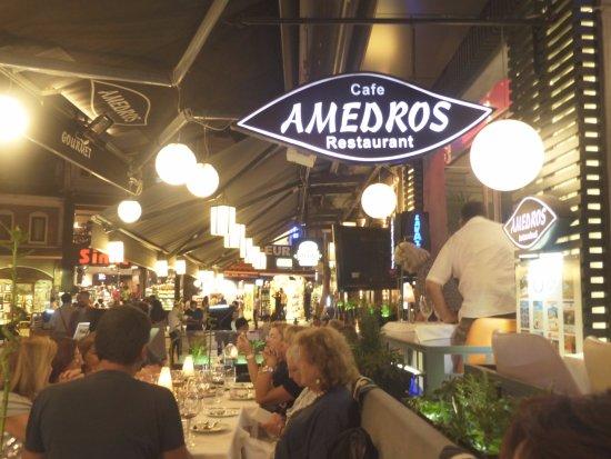 Amedros: restaurant situé dans une rue animée et très facile à y accéder