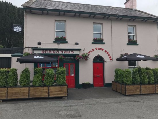 Castleconnell, Ireland: Front view of Bradshaws Bar
