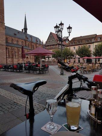 Wirtschaft Zur Brucke: Blick auf den Marktplatz.