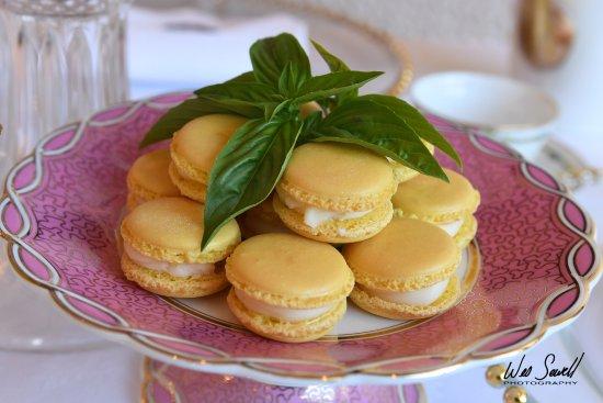 Hahira, GA: Homemade Lemon Macarons