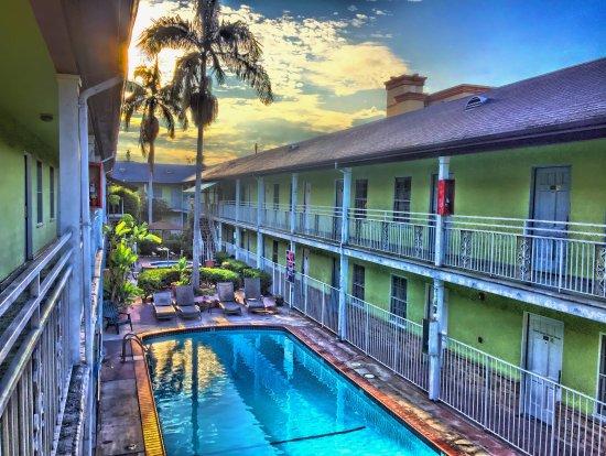 Coral Sands Motel Photo