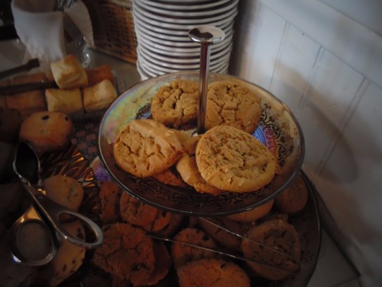 Julian Gold Rush Hotel: Afternoon tea: assorted cookies