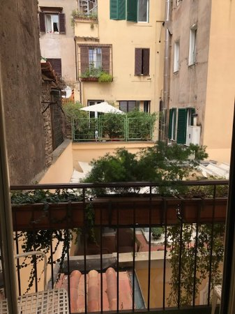 Hotel Sant Anna Roma : View from our small balcony.