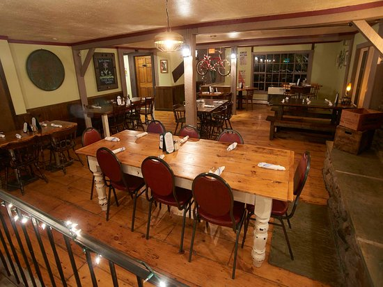 Pittsfield, VT: Spacious Dining Room
