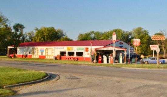 Caney, KS: Gary's Garage Museum
