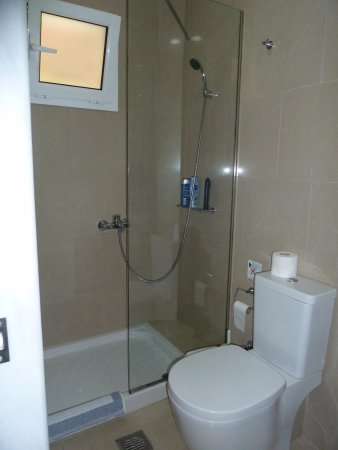Badkamer studio - Picture of Porto Davia Hotel, Argassi - TripAdvisor