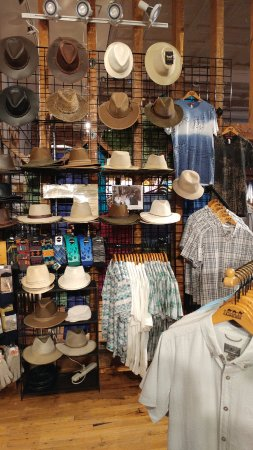 Culpeper, VA: Men's Hats & Shirts