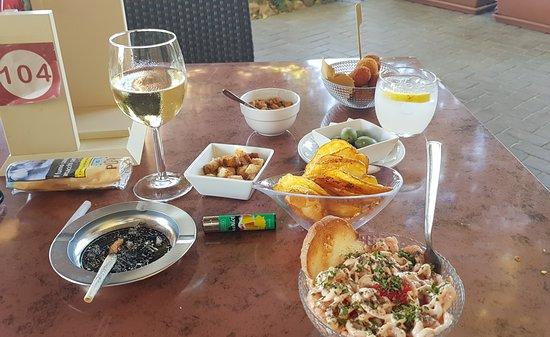 Villa Tivoli: Mini gamberetti e mini frittini. Deliziosi