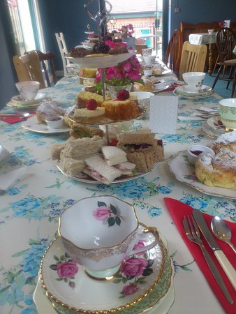 Dronfield, UK: Vintage China afternoon tea