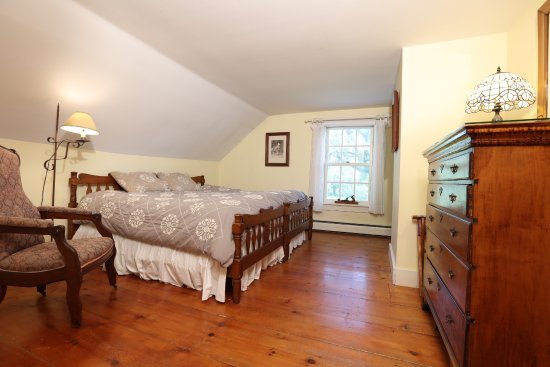 Addison, VT: South Room in Main house, with full private bath