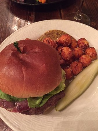 Chesterton, IN: burger