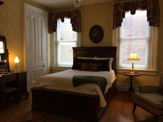Dupont Mansion B&B: photo1.jpg