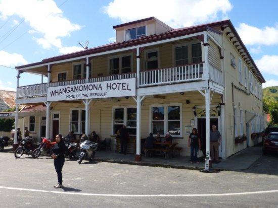 Stratford, Nueva Zelanda: Whangamomona Hotel