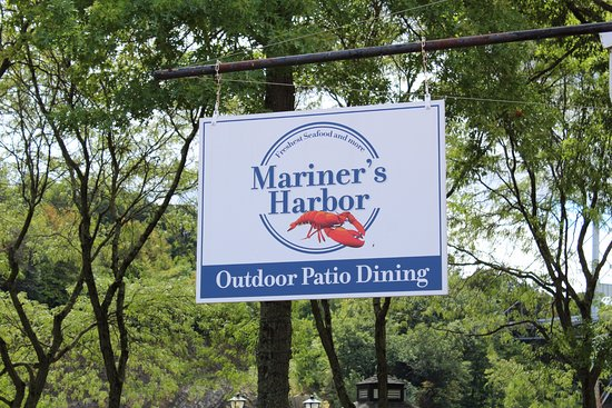 Mariner's Harbor : Right along the waterfront.