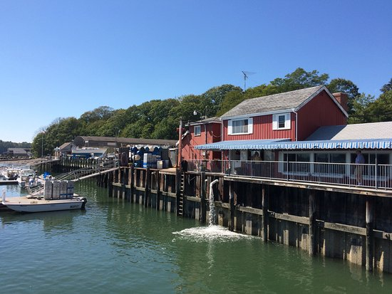 South Freeport, ME: Restaurant from the water