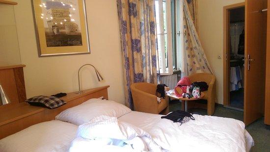 Hotel Uhland: IMAG1815_large.jpg