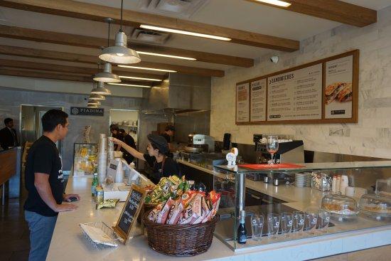 Tustin, Californie : Service Counter